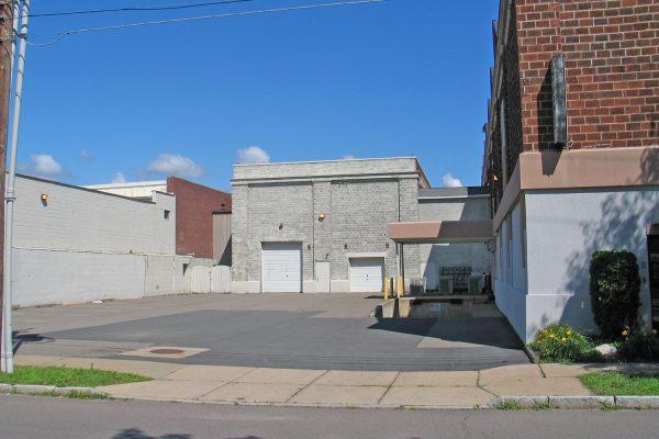 350-390 N. Pennsylvania Avenue_ParkingLot_1