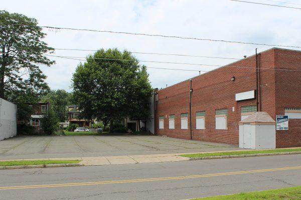 350-390 N. Pennsylvania Avenue_ParkingLot_2